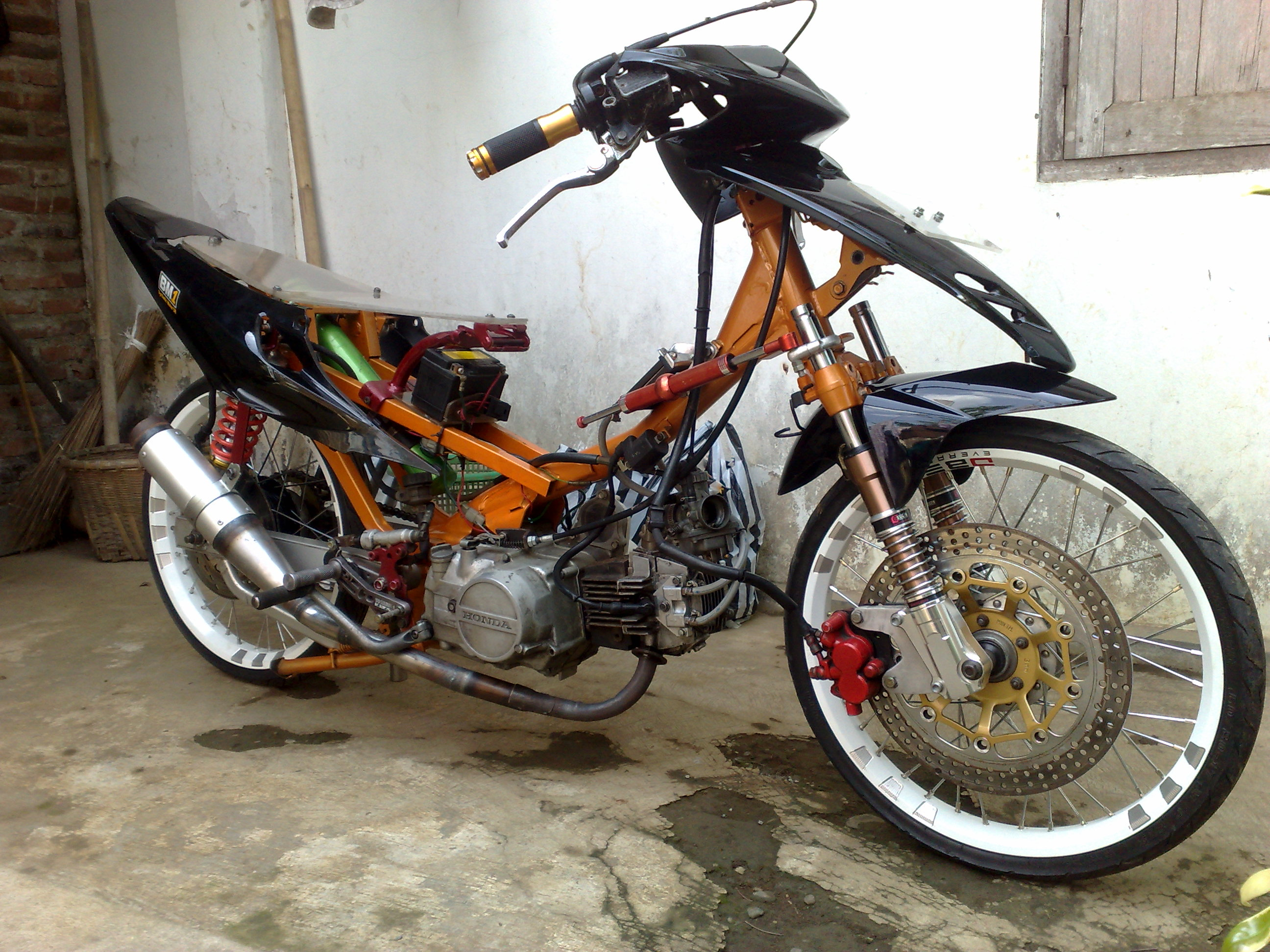 Modifikasi Motor Supra Double X Semut Modifikasi